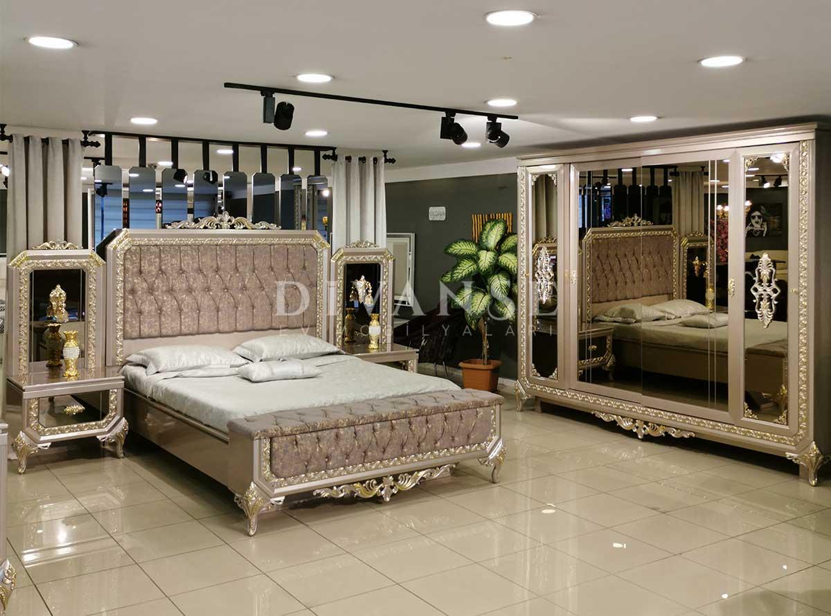 Kral Yatak Odası